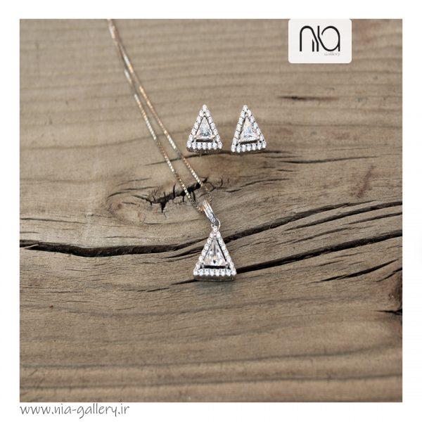 نیم ست نقره طرح مثلثی