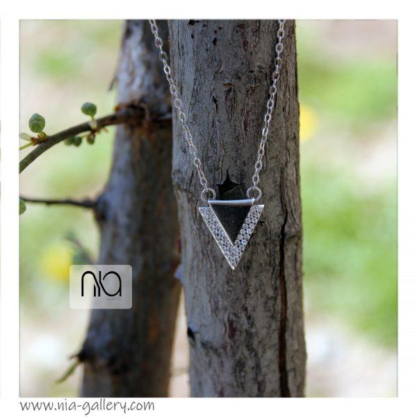 گردنبند مثلثی نقره